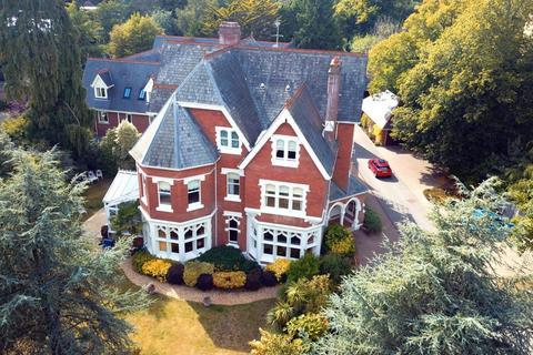 3 bedroom apartment for sale - Clieveden, 36 The Avenue, Branksome Park, Poole, BH13 0HL