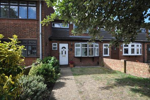 3 bedroom terraced house for sale - Swallow Walk, Hornchurch, Essex, RM12