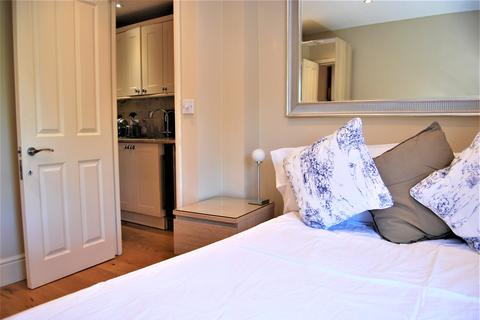 1 bedroom flat share to rent - Alfred Road, Acton, London W3