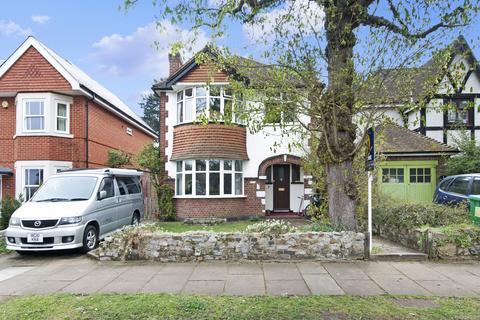 3 bedroom detached house for sale - Melbourne Road, Teddington TW11