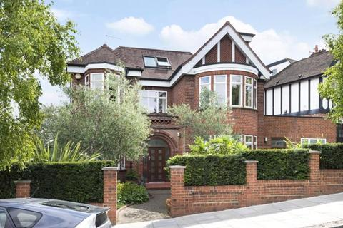 5 bedroom detached house for sale - Connaught Gardens, Muswell Hill, London, N10