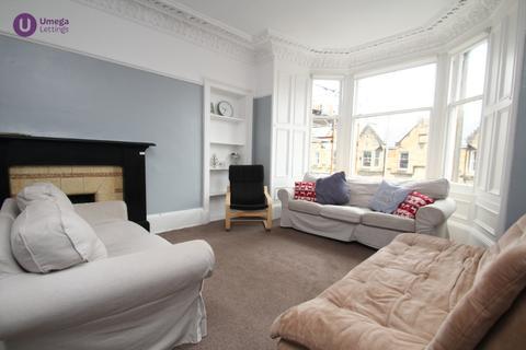 4 bedroom flat to rent - Marchmont Crescent, Marchmont, Edinburgh, EH9 1HG