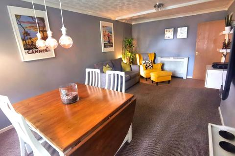 1 bedroom flat - Lower Broughton, Salford, M3