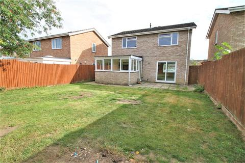 3 bedroom detached house for sale - Falcon Avenue, Diss