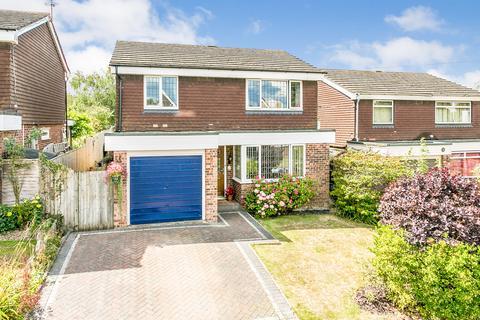 3 bedroom detached house for sale - Leneda Drive, Tunbridge Wells