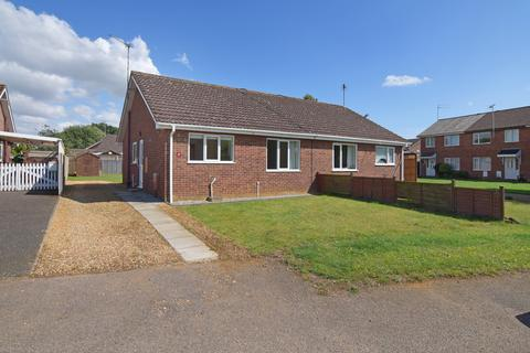 2 bedroom semi-detached bungalow for sale - Langley Road, South Wootton
