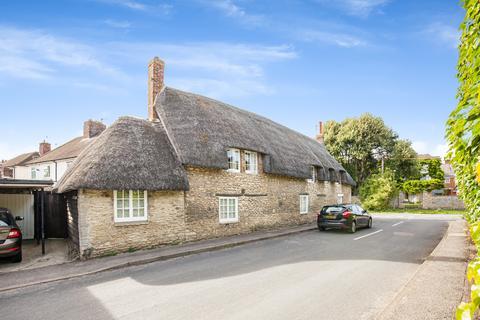 3 bedroom cottage for sale - Queen Street, Eynsham, OX29