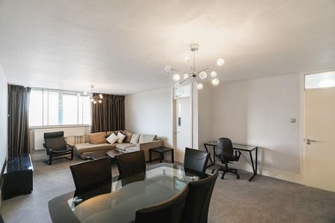 2 bedroom apartment to rent - Rennie Court, 11 Upper Ground