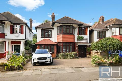 5 bedroom detached house to rent - Bramley Road, London, N14