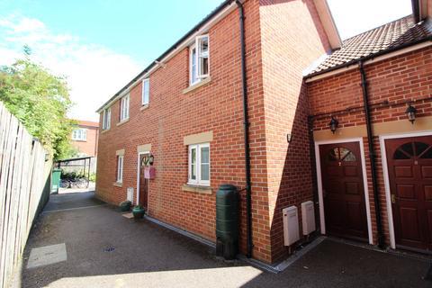 2 bedroom apartment - Northload Street, Glastonbury