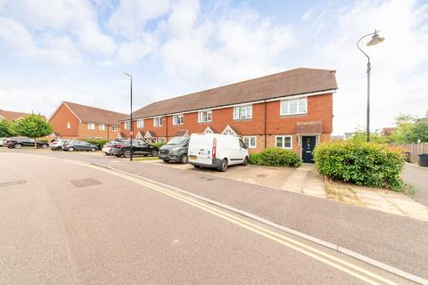 2 bedroom semi-detached house for sale - Linnitt Road, Snodland, ME6