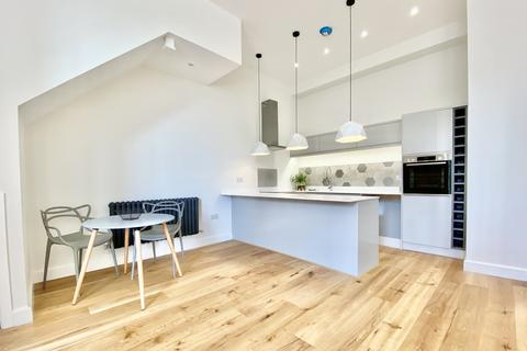 3 bedroom apartment to rent - The Granary