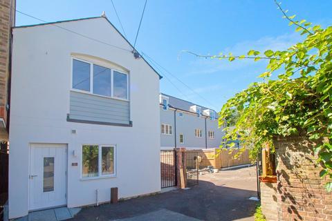 2 bedroom mews for sale - Lauriston Road, Brighton