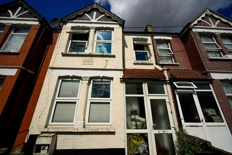 3 bedroom terraced house for sale - Perth Road, N22