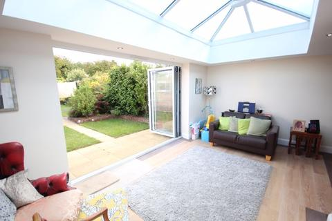 2 bedroom semi-detached bungalow for sale - 2 bed semi bungalow with garage and extension....Stopsley Village location