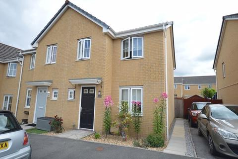 3 bedroom end of terrace house to rent - Heol Bryncethin, Bridgend CF32 9GG