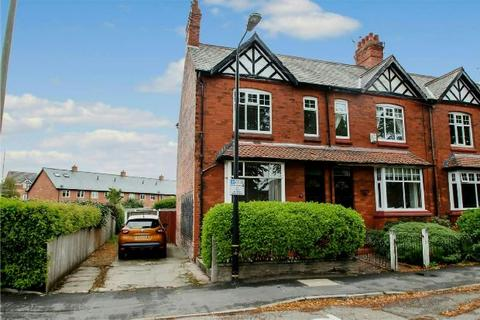 3 bedroom end of terrace house to rent - Norman Road, Altrincham