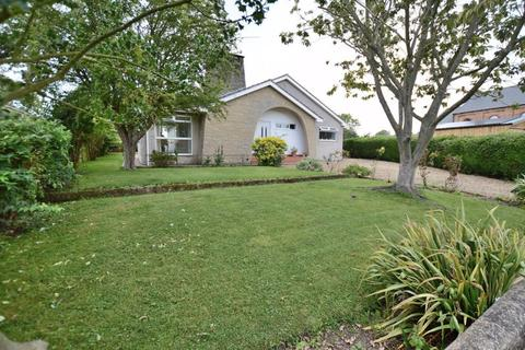 4 bedroom detached bungalow for sale - 18 Church Lane, Timberland