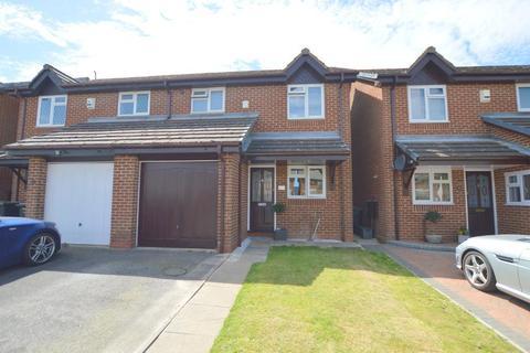 3 bedroom semi-detached house for sale - Tameton Close, Wigmore, Luton, Bedfordshire, LU2 8UX