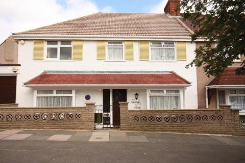 5 bedroom semi-detached house to rent - The Fairway, East Acton, London, W3 7PU