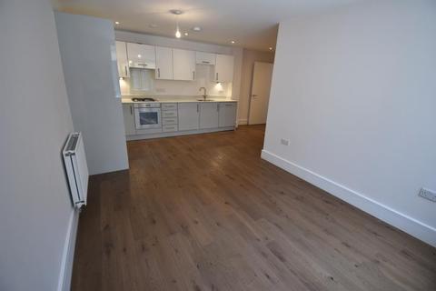 Studio to rent - Pechiney House, The Grove, Slough SL1