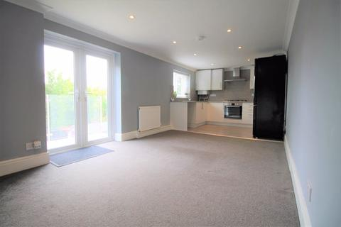 3 bedroom apartment to rent - Richmond Park Road, Bournemouth