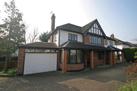 6 bedroom detached house to rent - SOUTHGATE