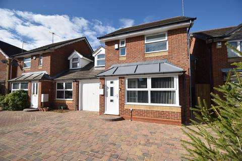 3 bedroom link detached house for sale - Chard Drive, Luton