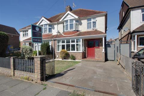3 bedroom house for sale - Grand Avenue, Lancing