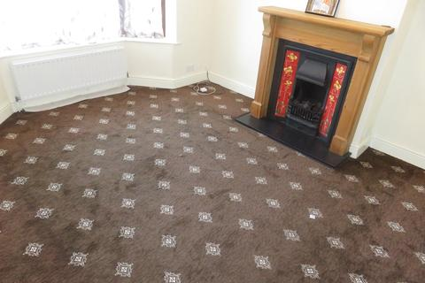 4 bedroom semi-detached house to rent - Sutton Square, Hounslow, TW5