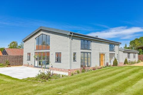 5 bedroom barn conversion for sale - Chalk End, Roxwell, Chelmsford