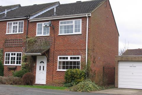 3 bedroom end of terrace house to rent - Buckingham Way, Frimley
