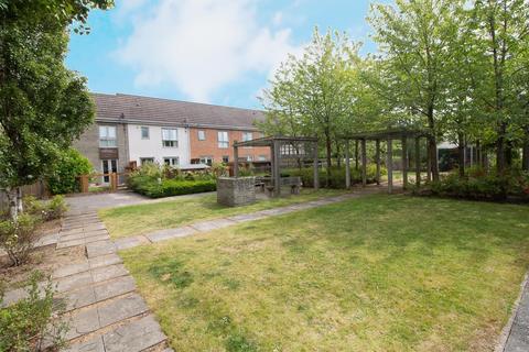 2 bedroom ground floor flat for sale - June Courtyard, Gateshead