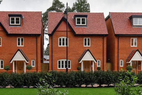 5 bedroom house for sale - Plot 4 at Brompton Gardens, London Road SL5