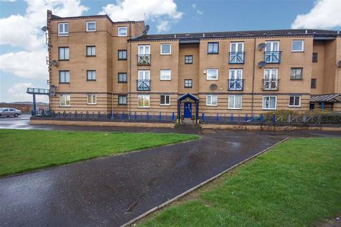 2 bedroom flat to rent - Glasgow Road, Clydebank
