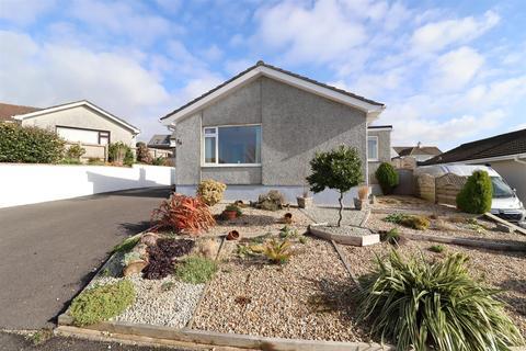 2 bedroom detached bungalow for sale - Treviglas Rise, Probus