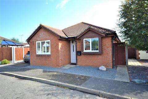 2 bedroom detached bungalow for sale - Wick Farm Road, St. Lawrence, Southminster
