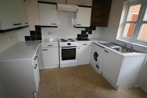 2 bedroom semi-detached house to rent - Abbey Close, Hayes