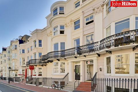 1 bedroom flat for sale - New Steine, Brighton