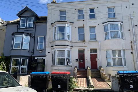 2 bedroom apartment to rent - Godwin Road, Cliftonville