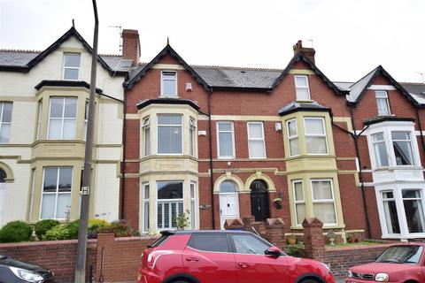5 bedroom terraced house for sale - St. Nicholas Road, Barry