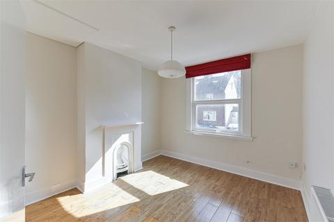 3 bedroom house to rent - Somerset Road, Redhill