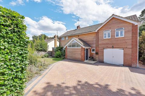 5 bedroom detached house for sale - Lightfoot Grove, Basingstoke