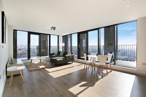 2 bedroom penthouse to rent - Azure Building, Stratford E15