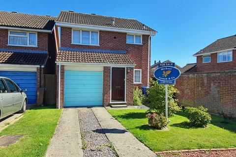 3 bedroom detached house for sale - Turnberry Close, Bicester
