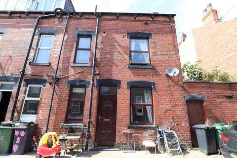 2 bedroom semi-detached house to rent - THORNTON GROVE, LEEDS, LS12 3JB