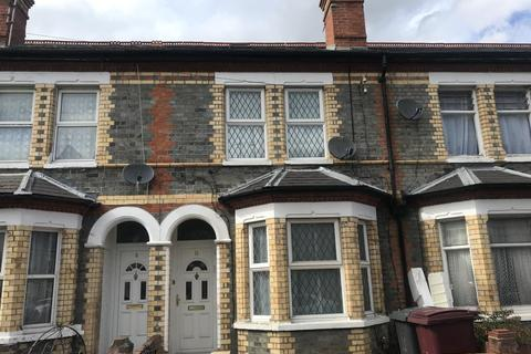 3 bedroom terraced house to rent - Radstock Road, Reading, RG1