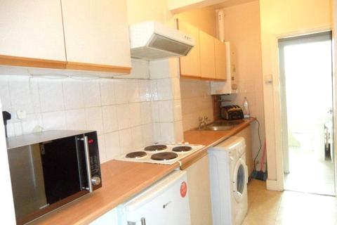 2 bedroom apartment to rent - Castle Hill Parade, The Avenue, London, Greater London, W13