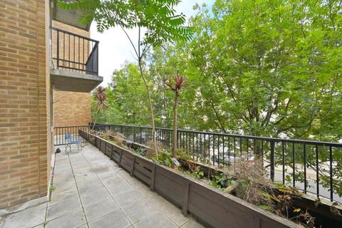 2 bedroom apartment to rent - Lamb Court Limehouse E14