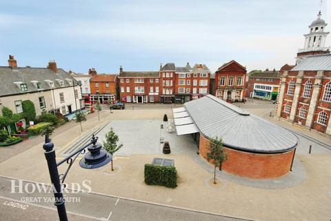 2 bedroom apartment for sale - Deneside, Great Yarmouth